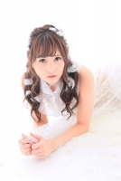 モデル:佐野友里子さん