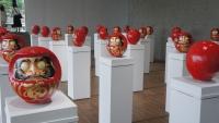 《回転体は行進するダルマの夢を視る》2014年@箱根彫刻の森美術館