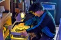「換気扇サイザー試奏風景 2015年2月滞在制作篇」 撮影 高島圭史
