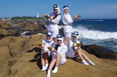 夏のお台場 海女カレー祭り
