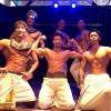 筋肉の狂宴:マッスルカフェ